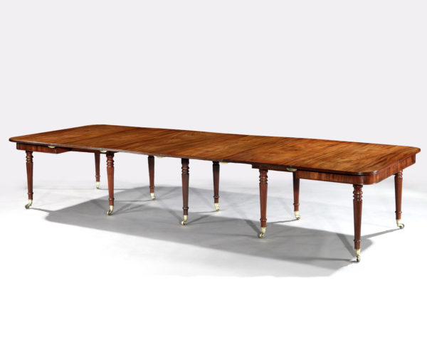 A Gillows Mahogany Extending Dining Table